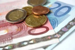 Bei einer Erbschaft in der Insolvenz gilt: Schuldner müssen das pfändbare Einkommen abgeben.
