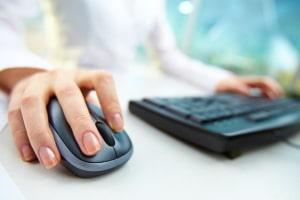Für einen ETF-Sparplan benötigen Sie ein Depot. Das können Sie auch online einrichten.