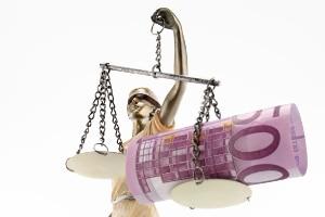 Die falsche Vermögensauskunft ist strafbar.