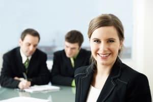 Zu den Folgen einer Privatinsolvenz gehört die Tätigkeit der Insolvenzverwalterin.
