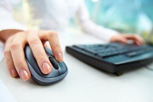 Auf manchen Webseiten der Justiz können Sie die Forderungsanmeldung im Insolvenzverfahren online ausfüllen und ausdrucken.