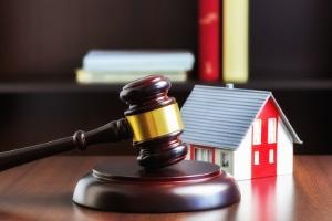 Unter engen Voraussetzungen stimmt der Insolvenzverwalter der Freigabe einer Immobilie aus dam Insolvenzbeschlag zu.