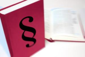 Gläubigerschutz umfasst laut Definition sämtliche Vorschriften, welche einen Gläubiger direkt oder indirekt vor einem Forderungsausfall schützen sollen.