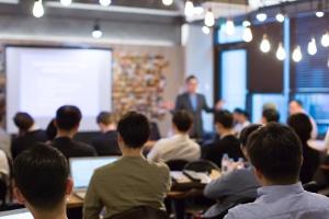 Wann muss eine GmbH Insolvenz anmelden und  was ist die Aufgabe des Geschäftführers?
