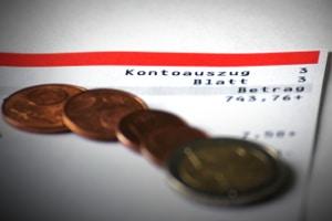 Hartz 4 und Schulden: Eine Privatinsolvenz kann zur Restschuldbefreiung führen.