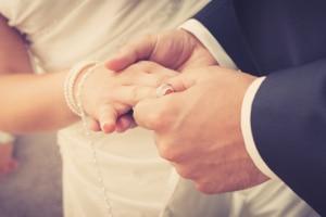 Ist die Heirat trotz Privatinsolvenz möglich?