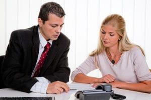 Die Schuldnerberatung hilft Ihnen, einen Insolvenzantrag zu stellen.