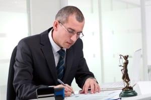 Insolvenzberatung beim Anwalt: Diese ist mit Kosten verbunden.