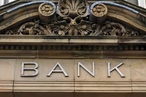 Eine Insolvenzgeldvorfinanzierung ist zum Beispiel durch eine Bank möglich.