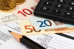 Wie hoch sind die Insolvenzkosten? Ein Rechner muss unter anderem die dem Insolvenzverwalter zustehende Vergütung berücksichtigen.