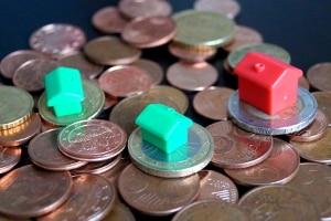 Die Insolvenzmasse besteht aus dem Vermögen des Schuldners. Dies umfasst Geldvermögen, aber auch Immobilien.