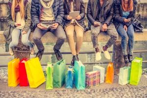 Jugend & Konsum: Schulden bei jungen Erwachsenen sind keine Seltenheit.