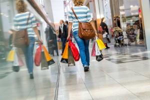 Konsumschulden sind heute eine gängige Methode, um Dinge zu kaufen, für die eigentlich kein Geld da ist.