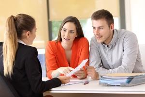 Gemeinnützige Einrichtungen verlangen meist keine Kosten für die Schuldnerberatung.