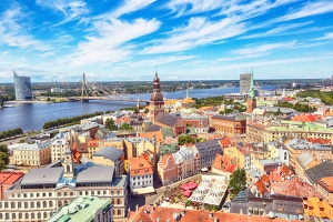 Wer in Lettland Insolvenz anmelden will, muss nachweisen, dass er dort auch seinen Lebensmittelpunkt hat.