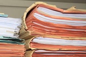 Möchten Schuldner die Privatinsolvenz anmelden, sind viele Unterlagen einzureichen.
