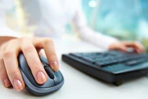 Privatinsolvenz anmelden: Online ist dies nicht möglich.