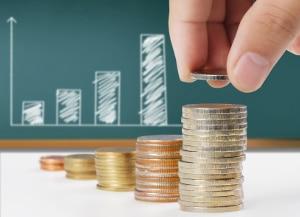 Eine Ratenzahlung trotz Privatinsolvenz verstößt gegen die Obliegenheit des Schuldners, nicht an einzelne Gläubiger zu zahlen.