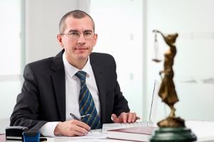 Die Rechtsanwaltsgebühren im Insolvenzverfahren können durch einen Beratungshllfeschein gestemmt werden.