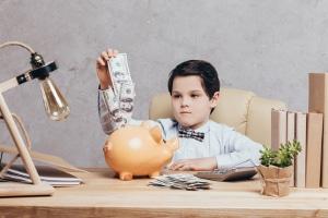 Richtig sparen: Mit unseren Tipps senken Sie Kosten, ohne auf einen gewissen Lebensstil zu verzichten.