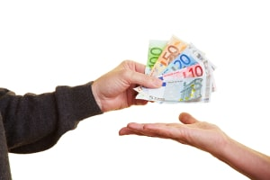 Schulden: Wer BAföG als Darlehen erhält, muss dieses zurückzahlen.