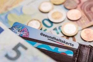 Schulden bei der Krankenkasse: Melden Sie Privatinsolvenz an, fließen die Beitragsschulden in die Insolvenz mit ein.