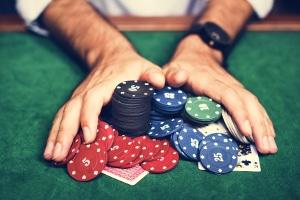 Beruhen neue Schulden nach der Insolvenzeröffnung auf Glücksspiel, droht dem Schuldner die Versagung der Restschulbefreiung.