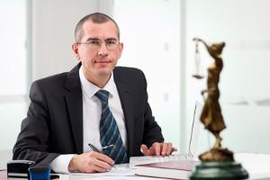 Beauftragen Sie einen Anwalt als Schuldenberater, entfallen die Kosten, wenn Sie einen Beratungshilfeschein haben.
