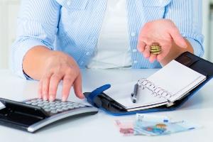 Ob eine Schuldenregulierung ohne Privatinsolvenz möglich ist, richtet sich auch nach der Schuldenhöhe.