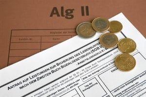 Steht Ihnen ALG 2 zu? Dies können Sie schon vor dem Gang zur Schuldnerberatungsstelle prüfen.