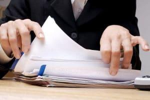 Beim Verbraucherinsolvenzverfahren ist ein Antrag erst möglich, wenn ein außergerichtlicher Einigungsversuch gescheitert ist.