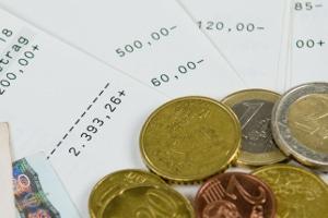 Was ist eine Lohnabtretung? Eine freiwillige Übertragung des Lohns auf einen Dritten.