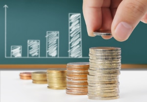 Die Dauer der Wohlverhaltensphase zur Insolvenz in Lettland richtet sich danach, wie viel Prozent der angemeldeten Forderungen der Schuldner bezahlen kann.