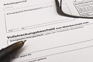 Mit welchen Mitteln können Schuldner die drohende Zwangsvollstreckung abwenden?