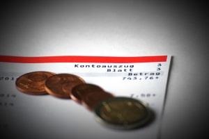 Die Zwangsvollstreckung durch Pfändung kann auch das Konto des Schuldners treffen.